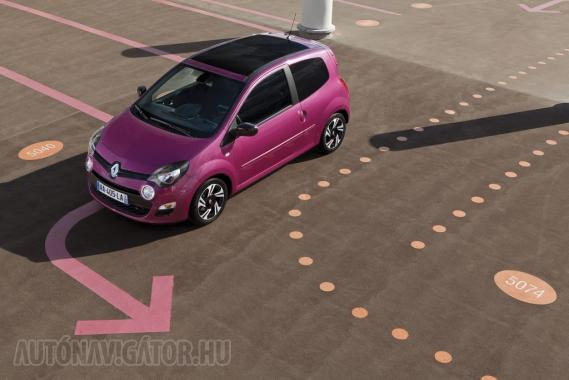 Kinyitott panorámatetővel egy 1,2-es Renault Twingo is lehet nyerő