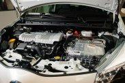 A legújabbfajta Priusokban ilyen lítium-ion akkumulátorok vannak a korábbi NiMH cellák helyett, a hibrid Toyoták benzines motorjai Atkinson ciklusúak a Yaris esetében 1,5, a többieknél 1,8 literes hengerűrtartalommal