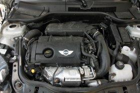 Szuper az 1,6 literes turbós benzines: erős, nyomatékos, nem torkos