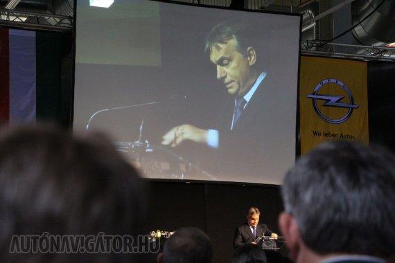 Visszatérő szó volt a flexibilitás, Orbán Viktor beszédéből sem maradt ki