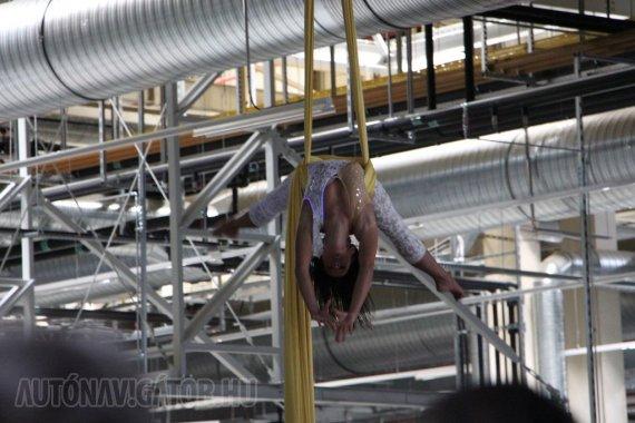 Flexibilis a gyár, mint a kötéltáncos