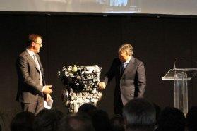 Thomas Sedran, az új DISI motor és Orbán Viktor a képen