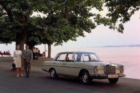 Már nem fecskefarkú, de még nem is S-osztály: a W108 (1965-1971)