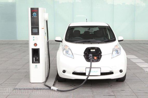 Még mindig lufinak tűnik az elektromos autózás, sőt már most kipukkadni látszik