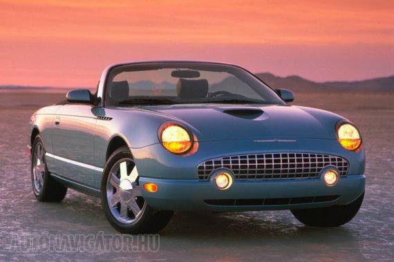 Ford Thunderbird: alig 3 évet élt meg 2002 és 2005 között