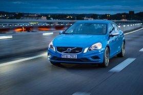 """Mindegyik Volvo S60-hoz kérhető az összes modern sofőrsegédet megadó """"Biztonsági csomag"""""""