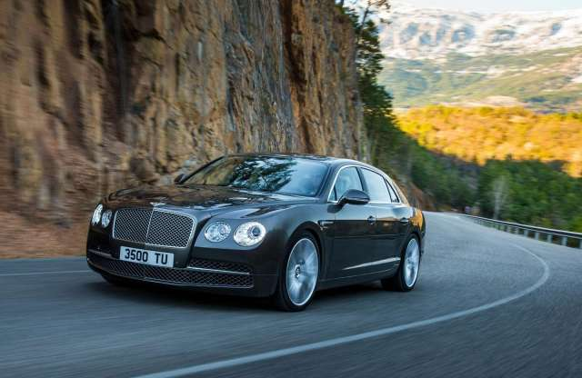 Bentley Flying Spur: 322 km/h négy ajtóval