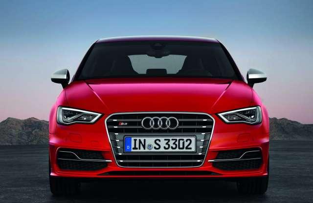 Akár ötajtós családi autó is lehet a bivalyerős Audi S3