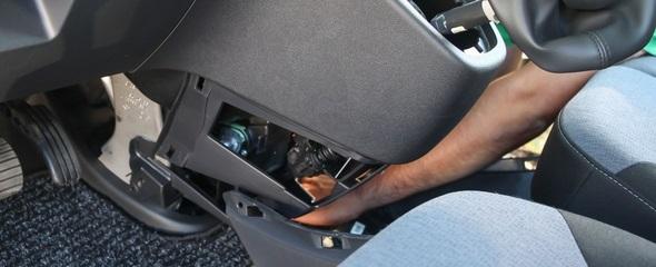 Elsőként hoztuk el az új Opel Vivaro tesztautót, elsőként is szedtük szét