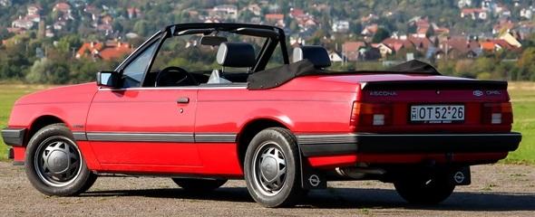 Veterán ritkaság: Opel Ascona Voll kabrió 1983-ból