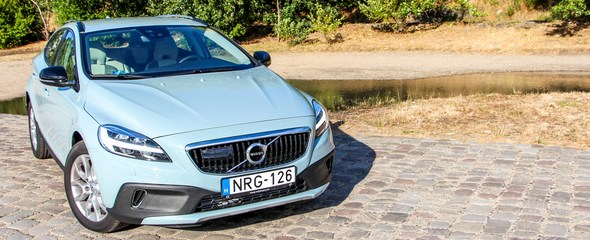 Volvo V40 Cross Country T5 AWD Summum teszt