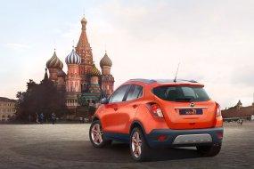 Moszkvában az Opel: látható Szalayék Dakar-autója is